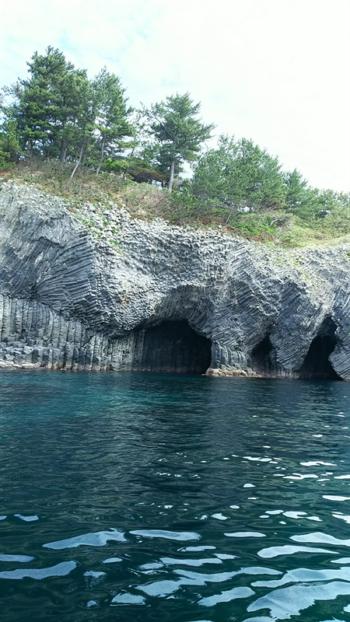 七ツ釜の洞窟