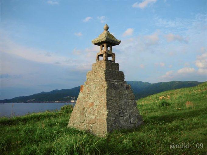 佐渡島の春日崎の石灯籠