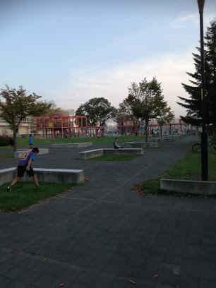 上篠路公園の赤い遊具